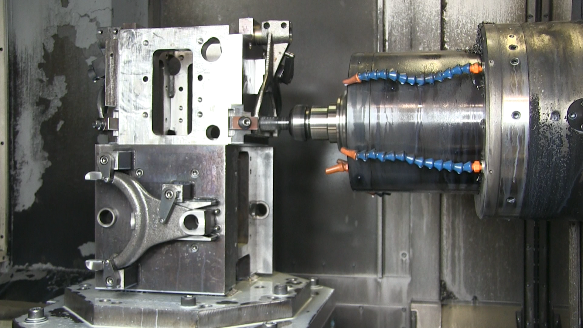 3 Circumstances that Lead to CNC Repairs and Advantages of CNC Machining